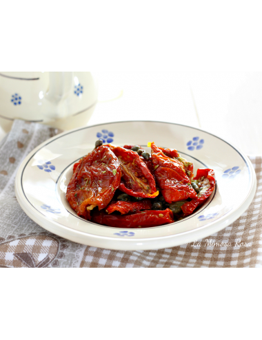 Dried tomatoes in oil